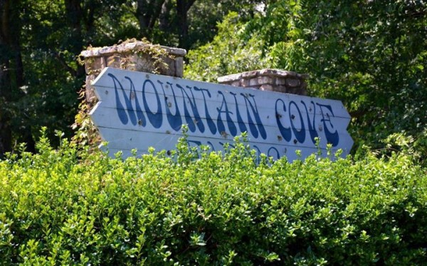 Mountain Cove Farms Sign