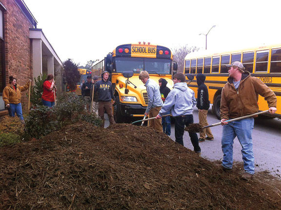 LHS Horticulture Students At Naomi