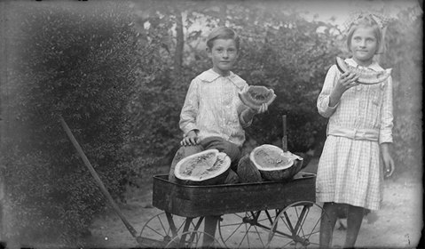 Eating Watermelon in Walker County 1910's / Picnooga